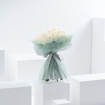 35 Roses hand bouquet II